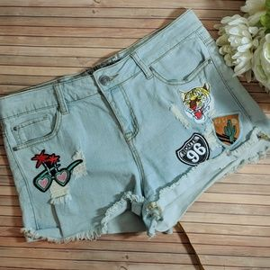 Pants - Cut Off Distressed Denim Shorts With Patches